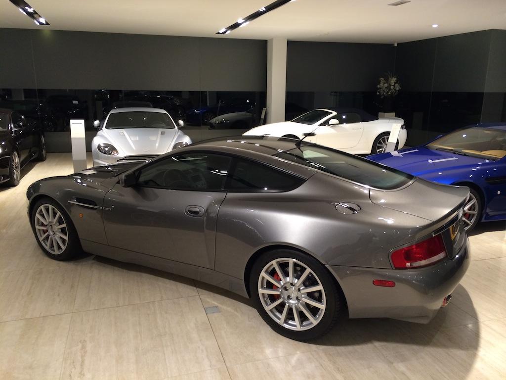 V12 Vanquish S - showroom